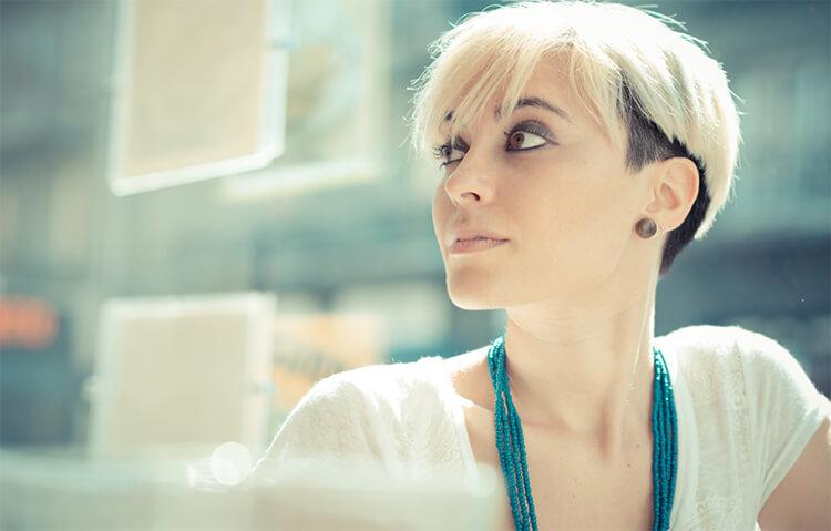 Jak Pielęgnować I Stylizować Krótkie Włosy Blog Fryzomaniapl