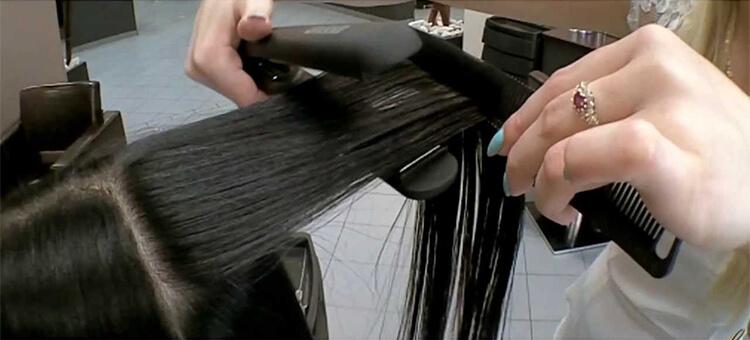 pasma włosów przy prostowaniu
