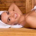 Czy sauna fińska szkodzi włosom?