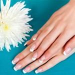Jak dbać o dłonie aby były zdrowe i piękne na wiosne?