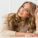 Ceramidy w kosmetykach do włosów i ich znaczenie dla kondycji włosów.