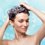 Mycie włosów w pigułce – krótki poradnik