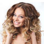 Konturowanie – sposób na szczuplejszą twarz dzięki fryzurze