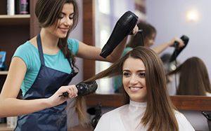 Suszarka do salonu fryzjerskiego. Jaką wybrać?