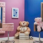Ciekawy fotel dla dziecka w salonie fryzjerskim