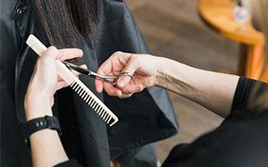 Jak wybrać dobry grzebień do włosów? Kompletny poradnik